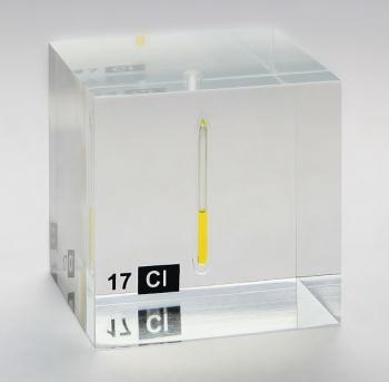Жидкий хлор в запаянном сосуде. Содержание активного хлора в средстве пресепт составляет около 30%