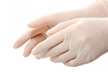 Надевание стерильных перчаток